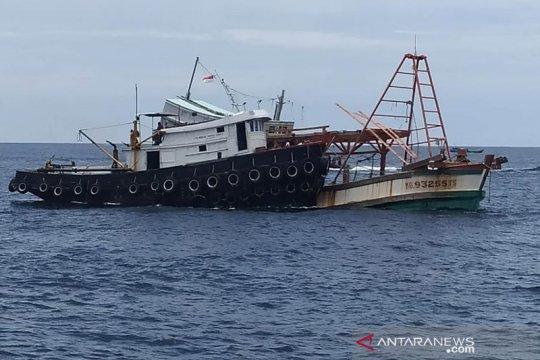KKP-Kejaksaan tenggelamkan 4 kapal pencuri ikan berbendera Vietnam
