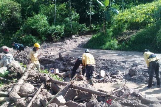 BPBD: Waspadai Jalur Cijapati Garut-Bandung rawan longsor