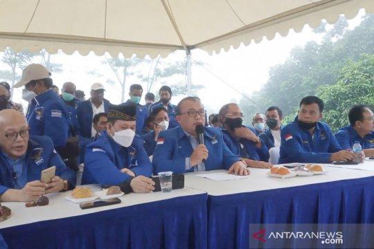 """PD versi KLB menuding SBY otoritarian dan """"keluargais"""""""