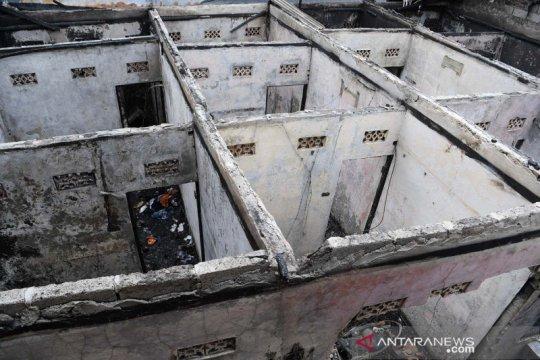 Metropolitan kemarin, kebakaran di Matraman hingga dana bansos DKI