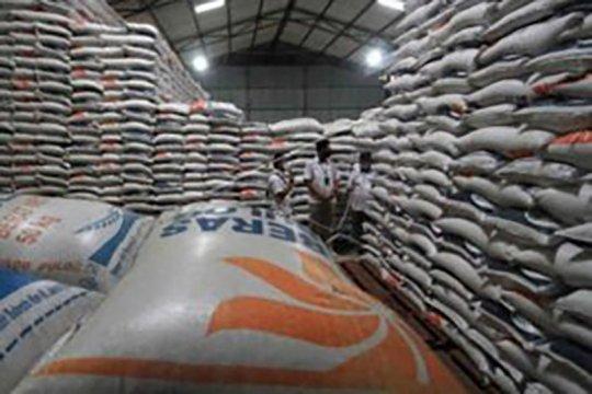 Kemarin, stok beras aman hingga perlu Perpres larangan mudik