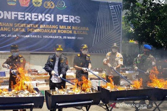 Dirjen BC pimpin pemusnahan 25,6 juta batang rokok ilegal di Semarang