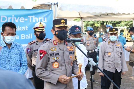 """750 sopir taksi ikuti vaksinasi """"drive thru"""" di Bali"""