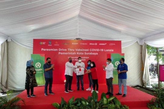 "Vaksinasi COVID-19 ""drive thru"" pertama di Jatim digelar di Surabaya"