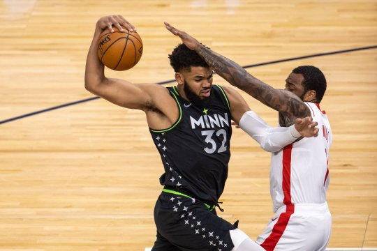 Timberwolves petik kemenangan 107-101 atas Rockets