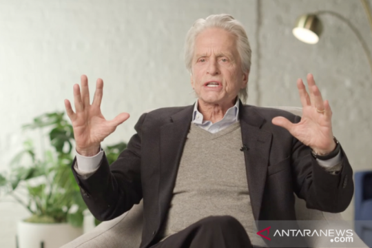"Kata Michael Douglas soal film ""superhero"" dan layanan ""streaming"""