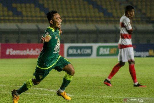 Persebaya Surabaya mecundangi Madura United 2-1