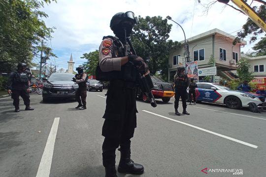 Ledakan diduga bom bunuh diri di Gereja Katedral Makassar