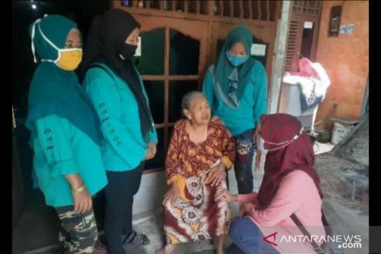 Kelurahan Koja vaksin 26 lansia di RPTRA Sindang Raya
