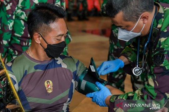 Kasad yakinkan jajaran TNI AD manfaat vaksinasi COVID-19
