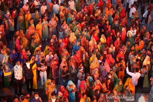 India sentuh rekor 103.558 infeksi COVID sehari