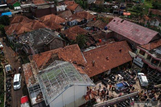 Bencana angin puting beliung di Kabupaten Bandung