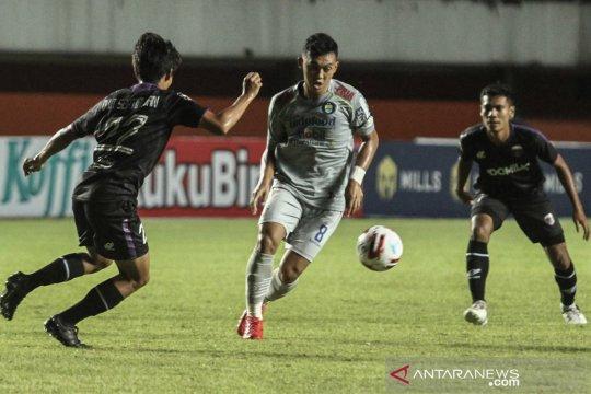 Piala Menpora : Persita Tangerang vs Persib Bandung
