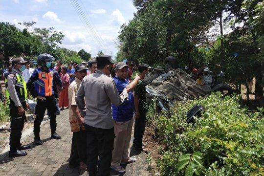 Mobil tertabrak kereta di Malang, satu anak tewas