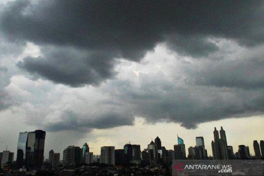 Kamis, hujan guyur Jakarta merata pagi hari