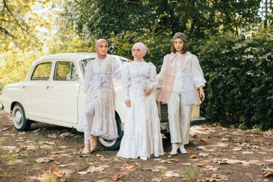 Lesti Kejora kolaborasi dengan Sideline dalam koleksi busana lebaran