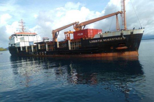 Tol Laut angkut puluhan kontainer Kopra dari Jailolo ke Pulau Jawa