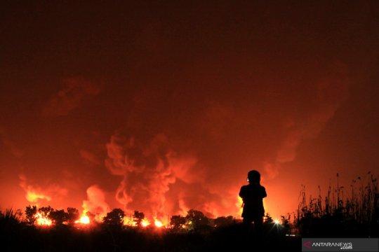 Kemarin, dugaan kebakaran Kilang Balongan hingga penghargaan ETLE