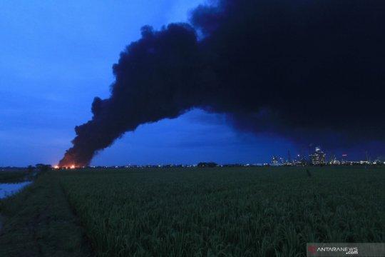 Kebakaran tangki Pertamina belum Padam