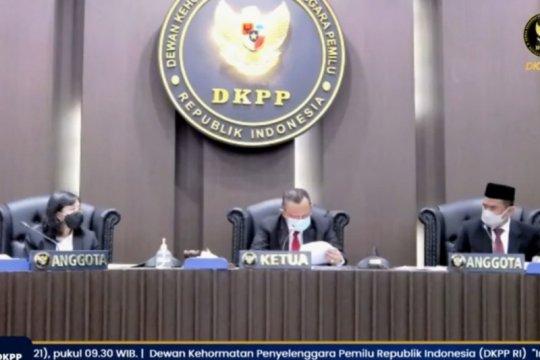 DKPP berhentikan Ketua Bawaslu Kabupaten Bintan