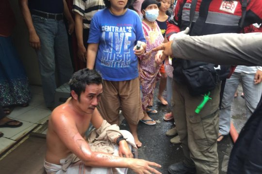 Dua orang alami luka bakar di Rawamangun