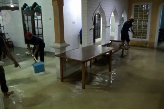 Banjir landa sejumlah kawasan di Lebak
