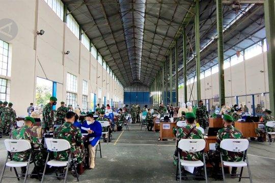 Kasum TNI tinjau vaksinasi COVID-19 di Lanud Adi Soemarmo