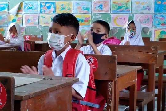 Siswa Kabupaten Batang mulai belajar tatap muka