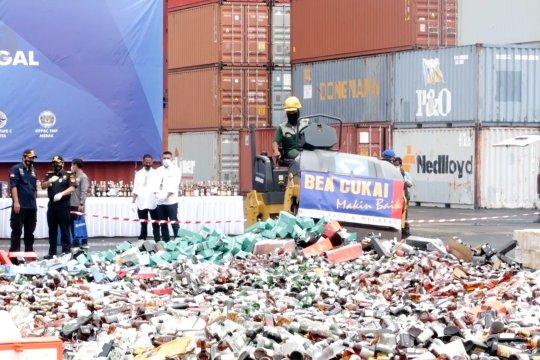 Bea Cukai Banten musnahkan miras senilai Rp42,1 miliar