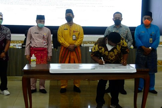 100 perusahaan di Riau tanda tangani komitmen cegah karhutla