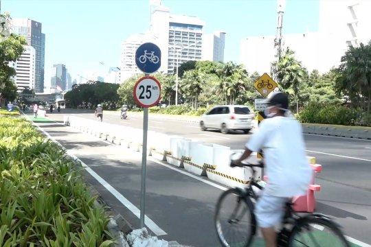 Menilik pentingnya proteksi lajur pesepeda di jalan raya