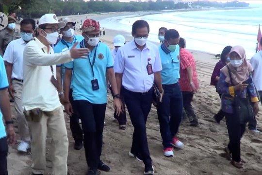 Pantai Kuta bersih, Sandi Uno optimistis pariwisata bangkit