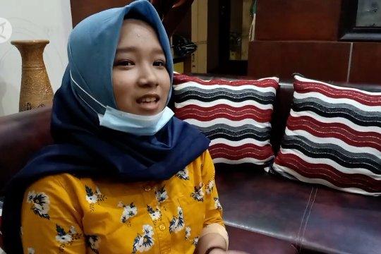 Risqi Nabila, gadis 15 tahun yang diterima di Kedokteran Unair