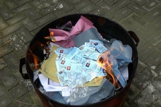 Hindari penyalahgunaan, Dispendukcapil Kota Madiun musnahkan KTP-el