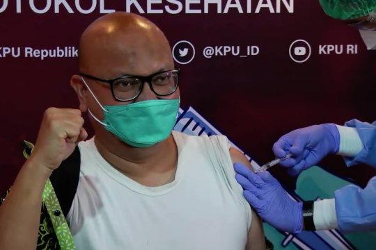 Jelang tahapan Pemilu 2024, jajaran KPU RI ikut vaksinasi