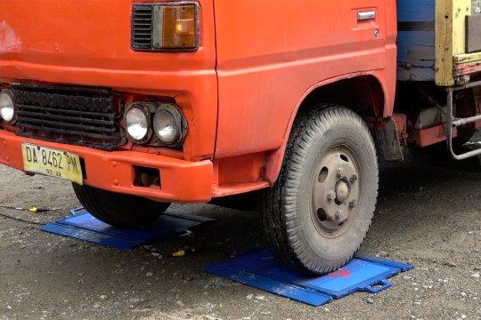 Uji petik Dishub Kalsel untuk pemulihan dan pemeliharaan jalan