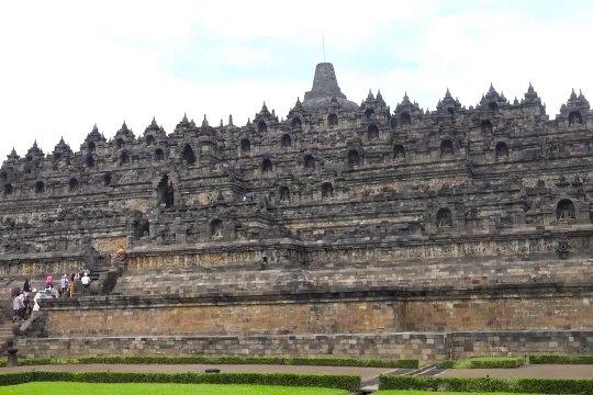 Tambahan atraksi di candi Borobudur