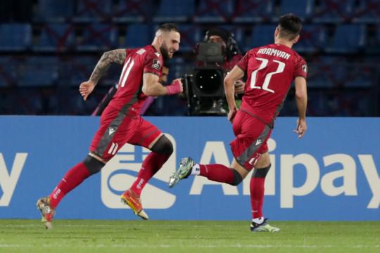 Armenia puncaki Grup J setelah tekuk Rumania 3-2