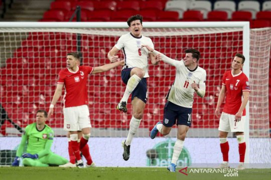 """The Three Lions"" menang 2-1 atas tamunya Polandia"
