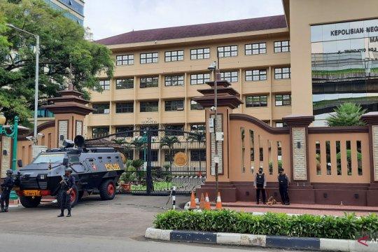 Pengamanan ketat di Mabes Polri masih diberlakukan pascapenembakan