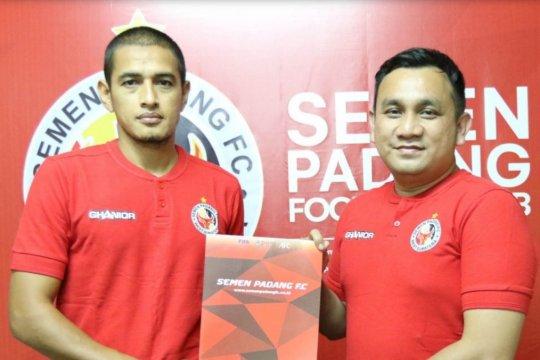 Hengki Ardiles ditunjuk jadi pelatih Semen Padang Academy
