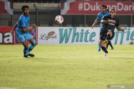 Persela tahan imbang Madura United 1-1