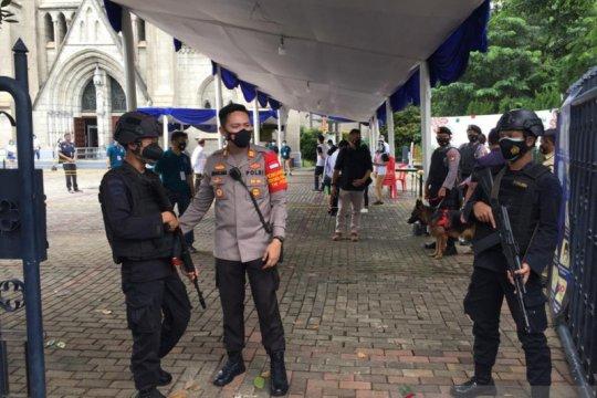 Ratusan personel gabungan TNI-Polri-Satpol PP jaga Katedral Jakarta
