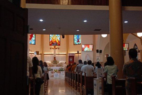 Uskup Agung Makassar: Jemaat penuh haru selamat dari teror bom