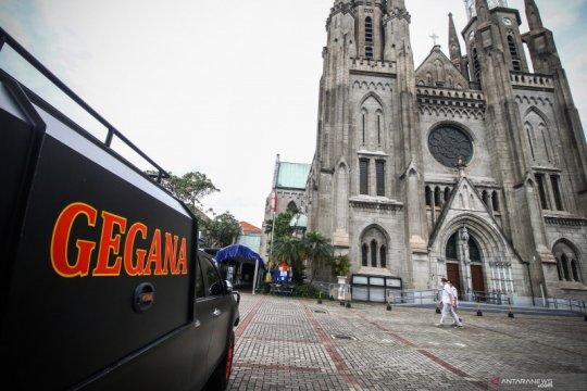 Pengamanan Gereja Katedral Jakarta diperkuat