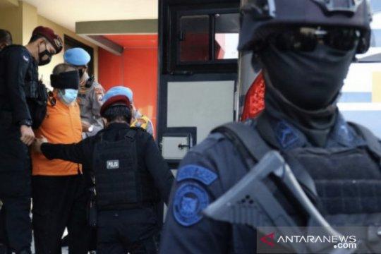 Densus 88 kembali tangkap dua terduga teroris di Jatim