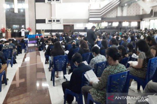 Ibadah Jumat Agung di HKBP CIbinong dibagi empat sif hindari kerumunan