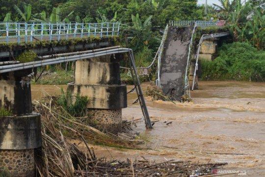 Jaksa Italia siapkan dakwaan atas ambruknya jembatan yang mematikan