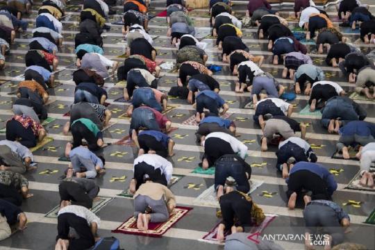 Anies: Ibadah di masjid atau mushala prinsipnya tetap diperkenankan
