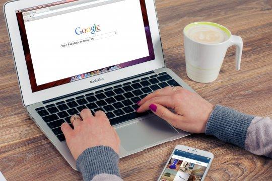 Google akan batasi aplikasi melihat informasi pengguna